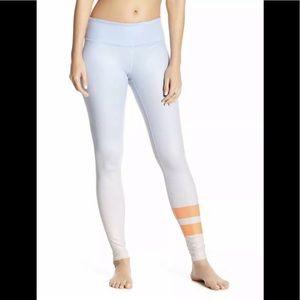 NWT Alo yoga airbrush legging gradient sky size L